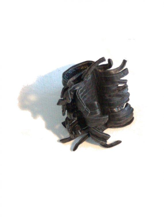 anello nero frange donna